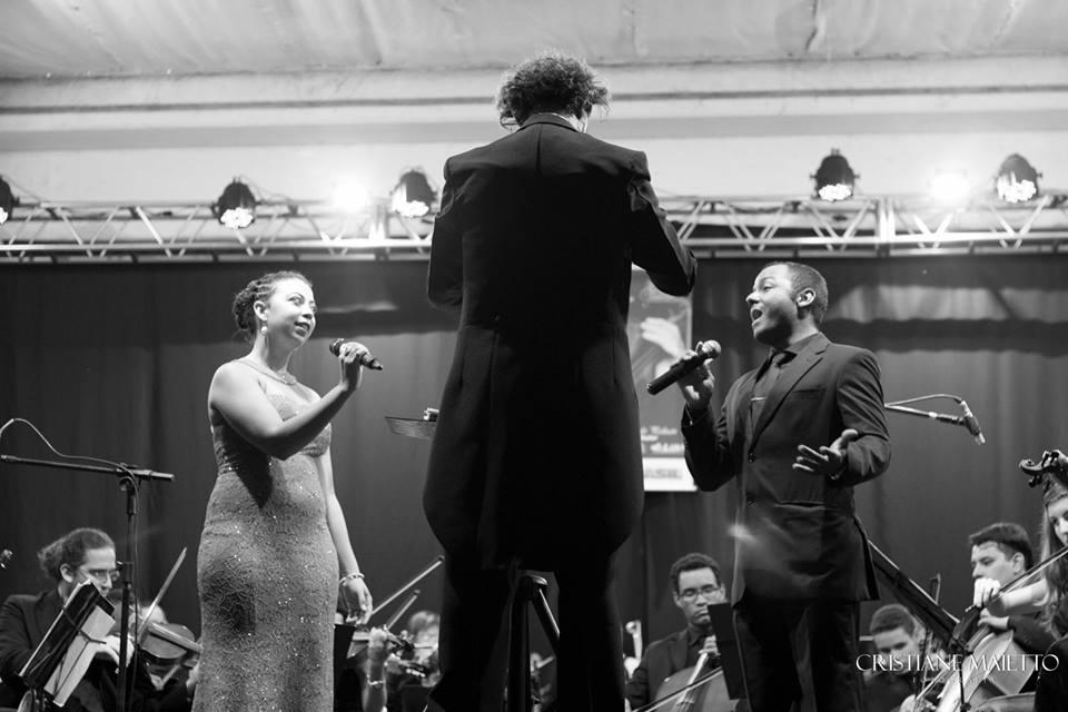 orquestra sinfônica jovem de lins maestro cantor cantora soprano tenor solista