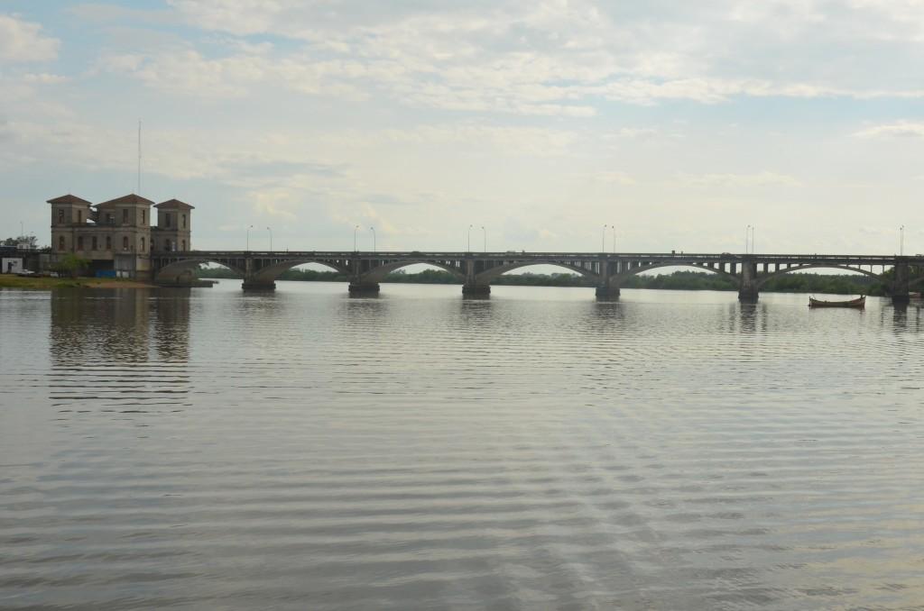Um novo caminho é possível: Ponte Jaguarão (RS) - Rio Branco (UY), na divisa entre o Brasil e o Uruguai fronteira brasil uruguai