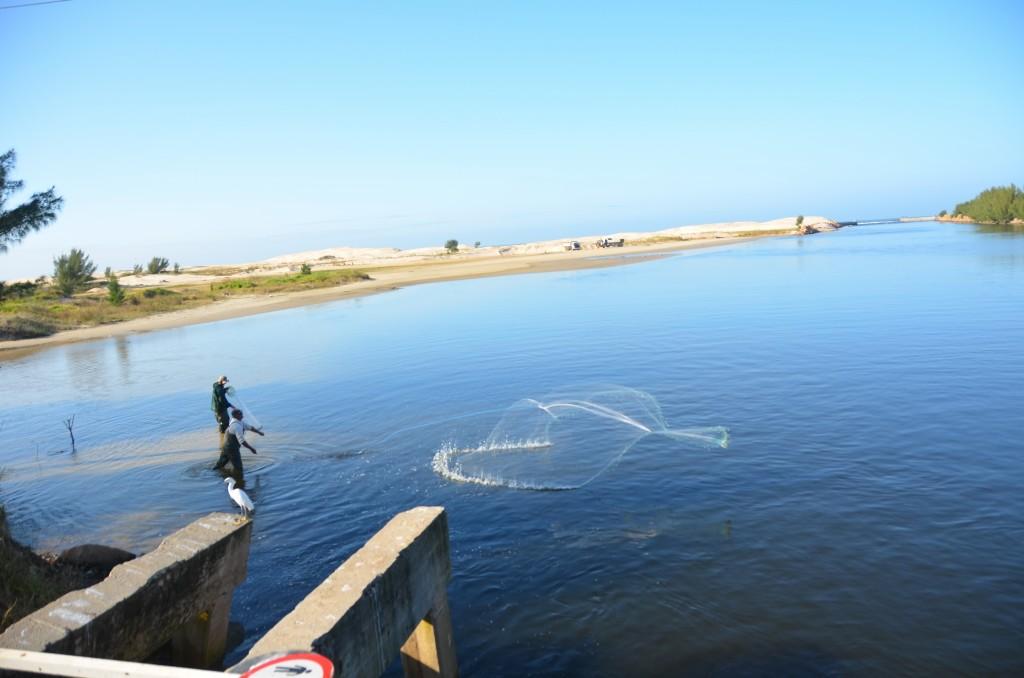 barra camacho laguna pescador rede jogando