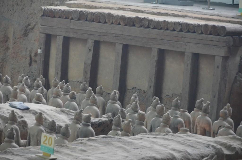 Porta de entrada para a construção do Mausoléu dos Guerreiros de Terracota - devidamenteguerreiro terracota porta mausoléu china xi'an