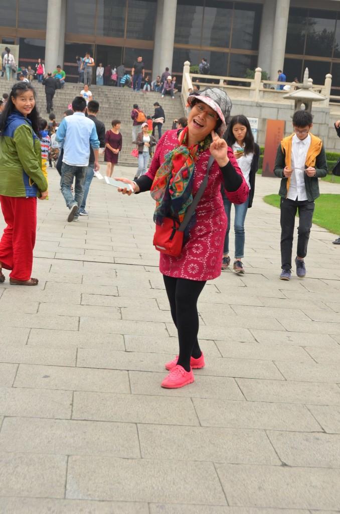 mulher chinesa rindo