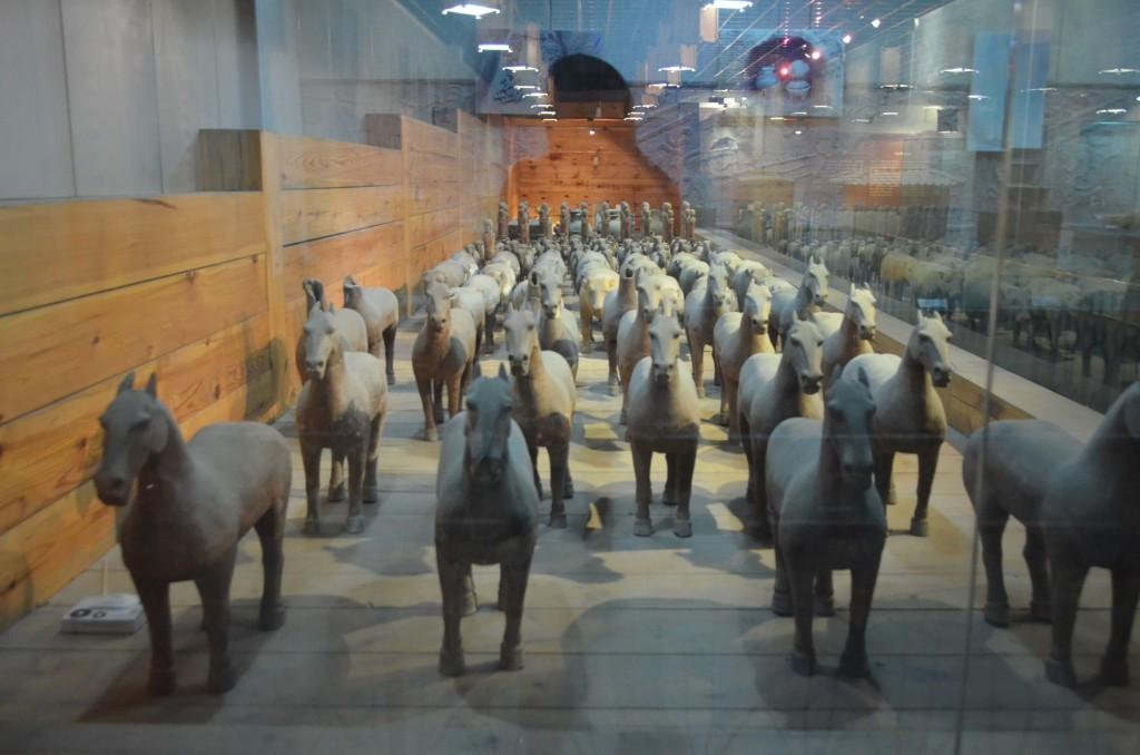 Quer cavalos? O Mausoléu Han Yang Ling tem!