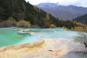 huanglong china lagoas piscinas travertinas azul montanha