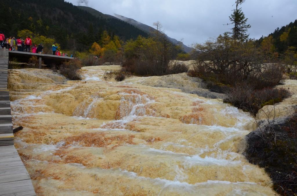cachoeira carbonato cálcio china huanglong