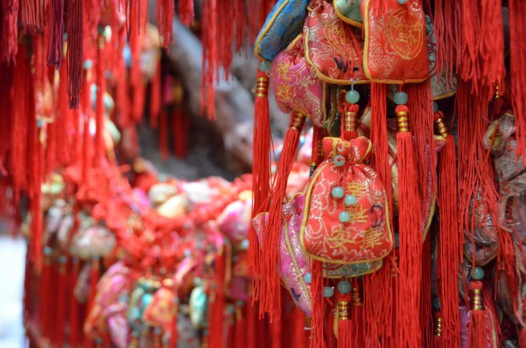 amuleto sorte chinês vermelho