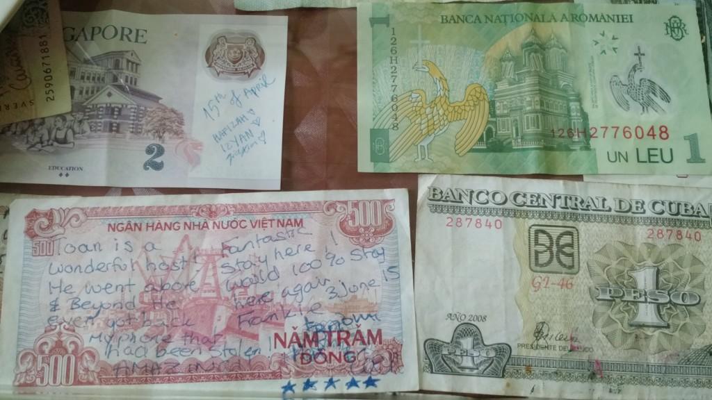 notas dinheiro mundo mensagem roubo celular