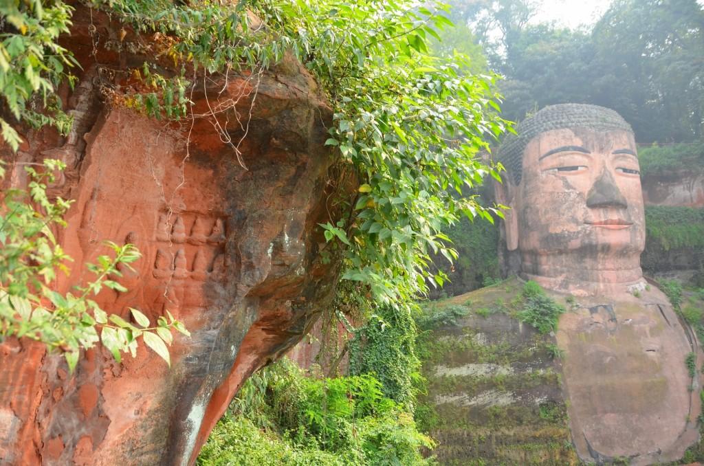 inscrições budistas buda leshan china