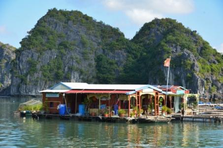casa flutuante pescador vietnam halong bay