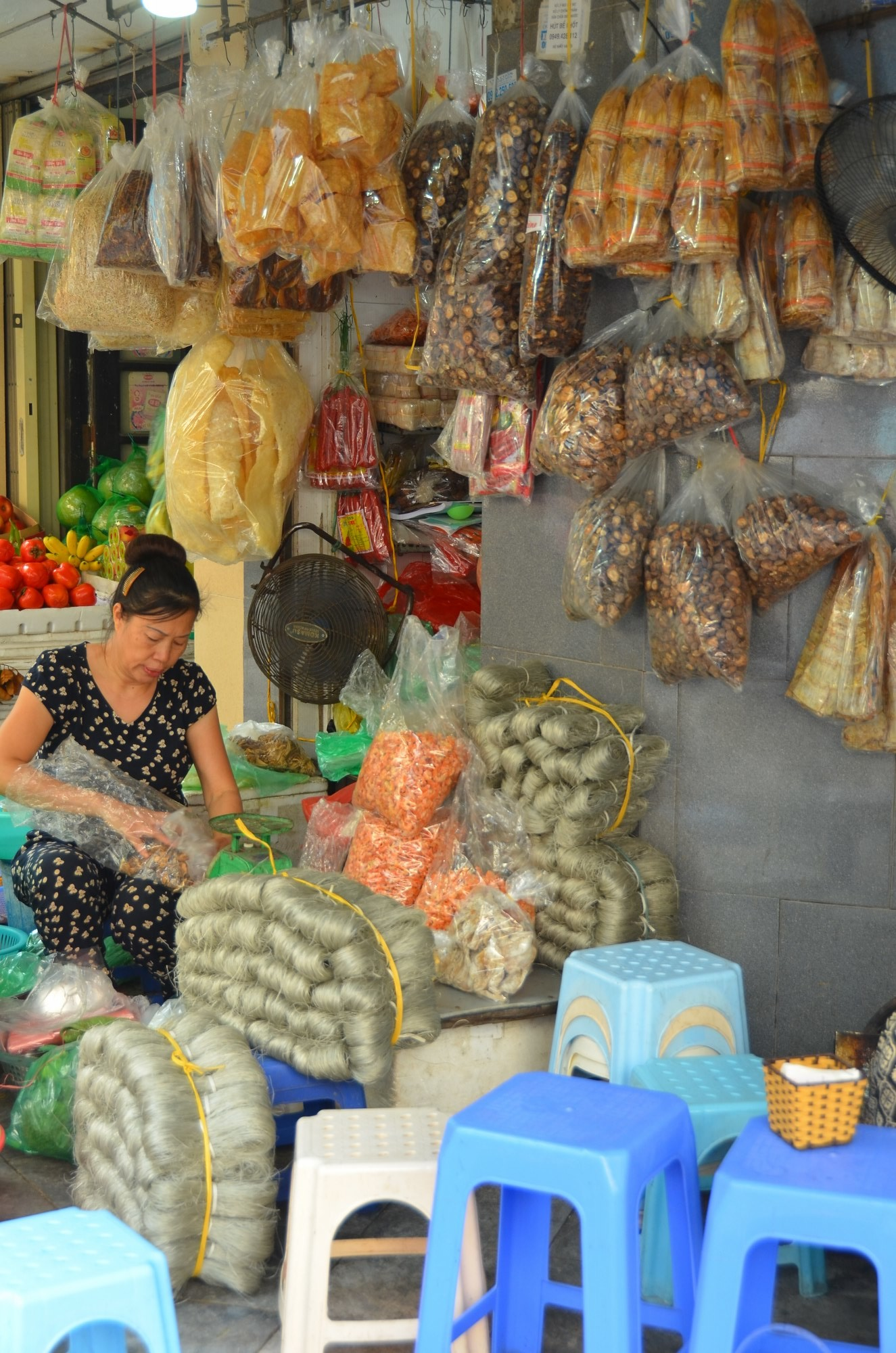 vendedor rua hanoi vermicelli