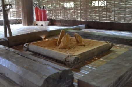fogão de pedra casa bahar museu etnografia etnologia vietnam hanoi