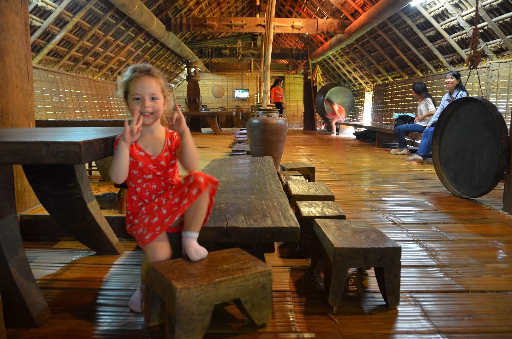 casa madeira palha etnia ede museu etnografia etnologia hanoi vietnam