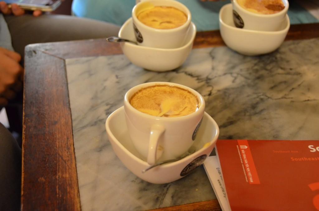 egg coffee café com ovo gianf café hanoi vietnam
