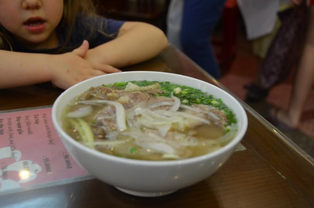 pho comida vietnamita hanoi vietnam