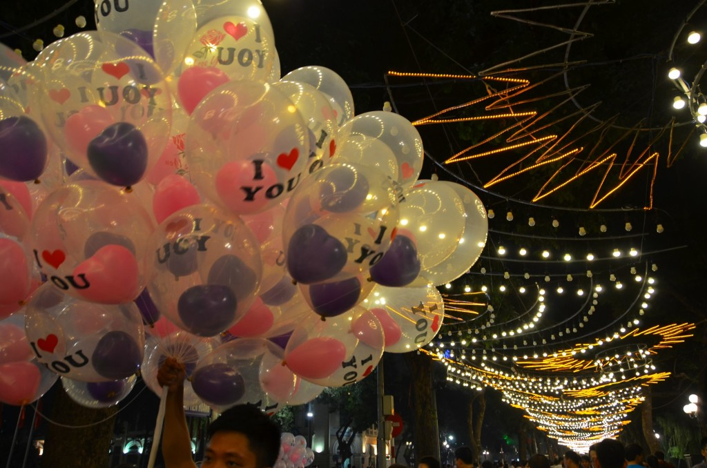 balões i love you hanoi vietnam