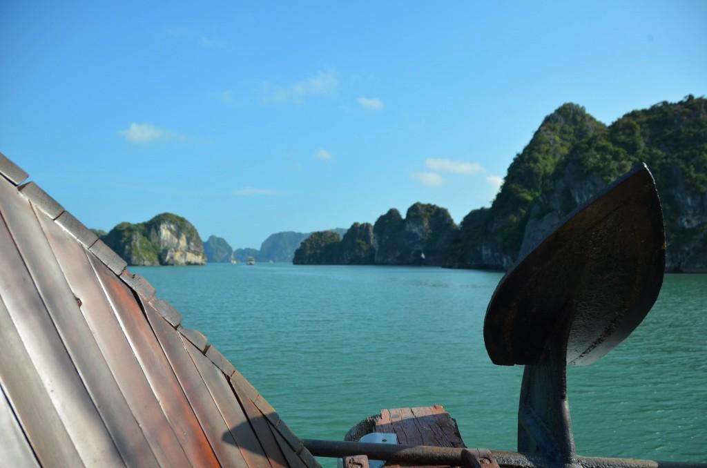 halong bay vietnam barco mar baía montanha