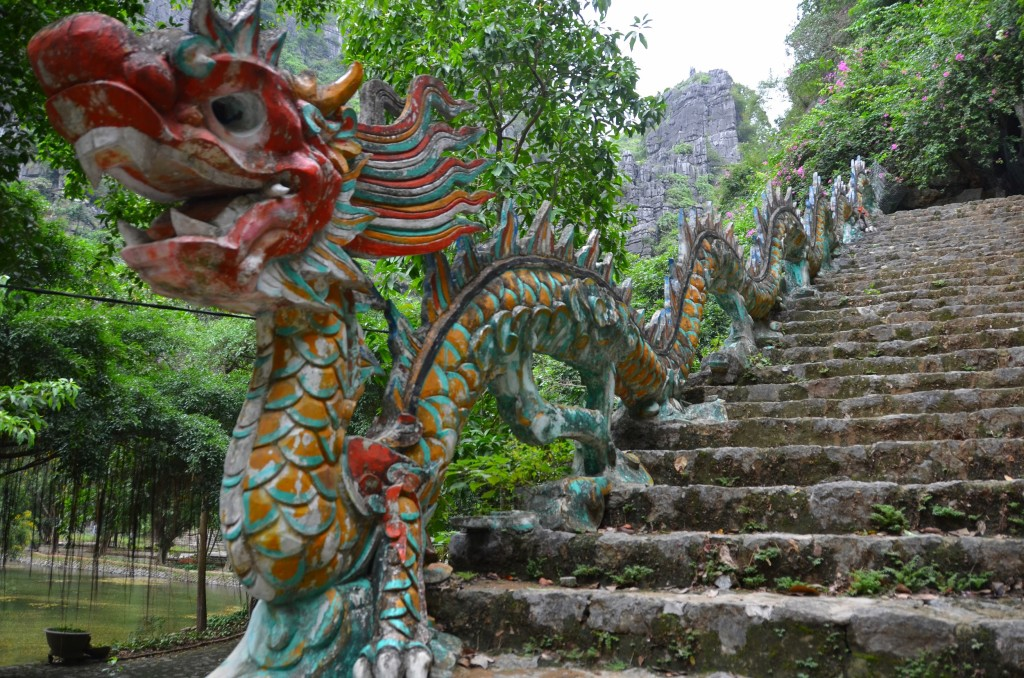 dragão, escadaria, hang mua, tam coc