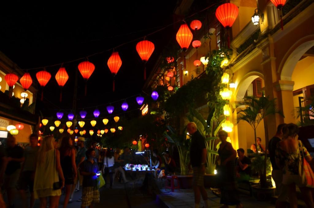 lanternas, hoi an, centro, cidade, cena noturna, vietnam
