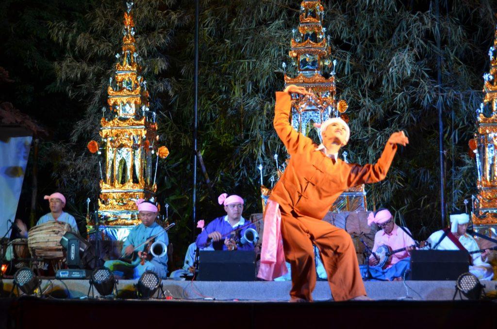 dança, tailândia, homem, bailarino, o que minha filha aprendeu viajando, mae hon song