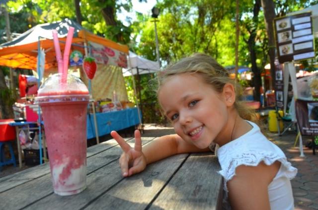 suco, fruta, chiang mai, feira, criança, o que minha filha aprendeu viajando