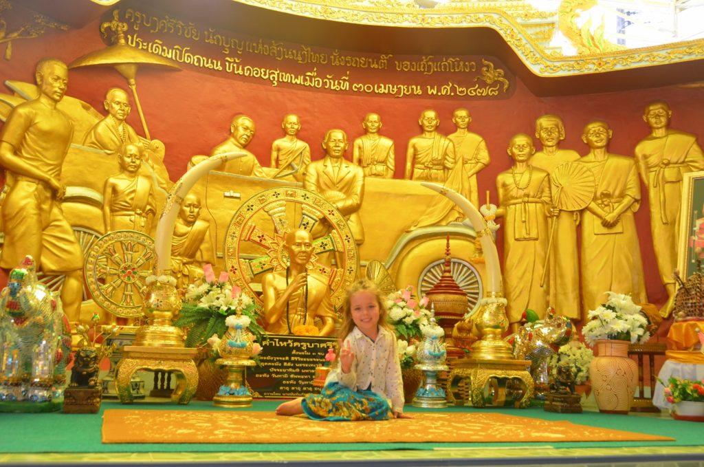 templo, chiang mai, criança, o que minha filha aprendeu em viagens