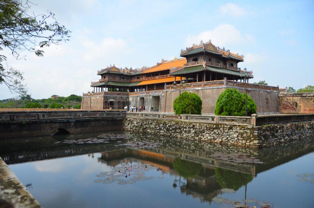 citadela, hué, vietnam, fosso portão